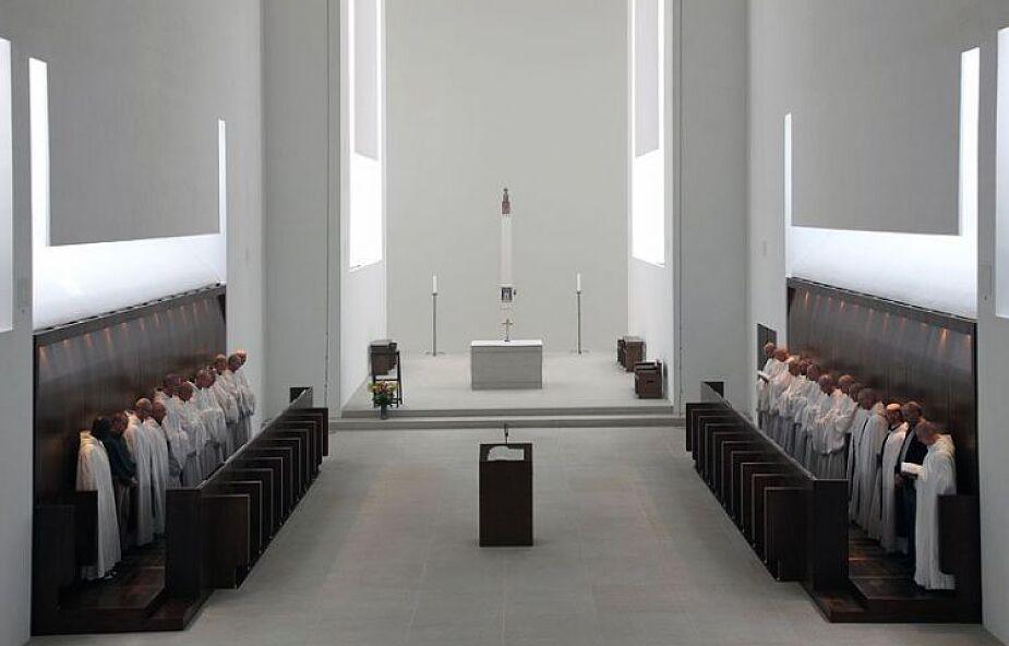 Jaką architekturą ugościć Boga?