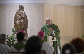 Poczta Watykańska wydała serię znaczków przedstawiających papieża ze zwierzętami