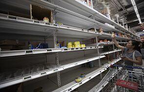 Supermarkety w Singapurze w związku z koronowirusem wprowadzają ograniczenia zakupów