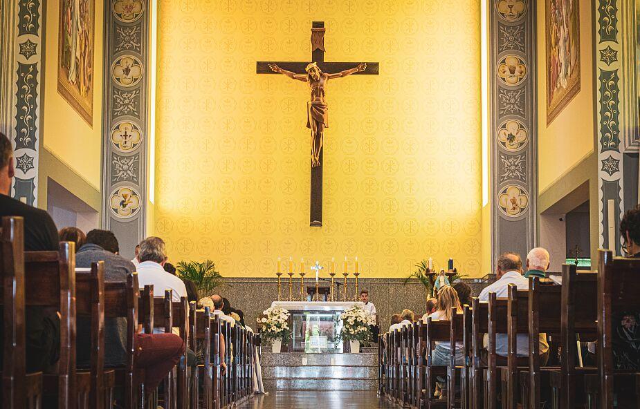 """""""Lęk obnażył mielizny wiary i teologii u wielu moich braci"""". Dk. Marcin Gajda o religijności podczas pandemii"""
