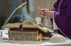Papież: módlmy się za chorych i za władze, które często są nierozumiane