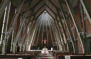 Warszawscy dominikanie zawieszają publiczne sprawowanie mszy i apelują o zostanie w niedzielę w domach