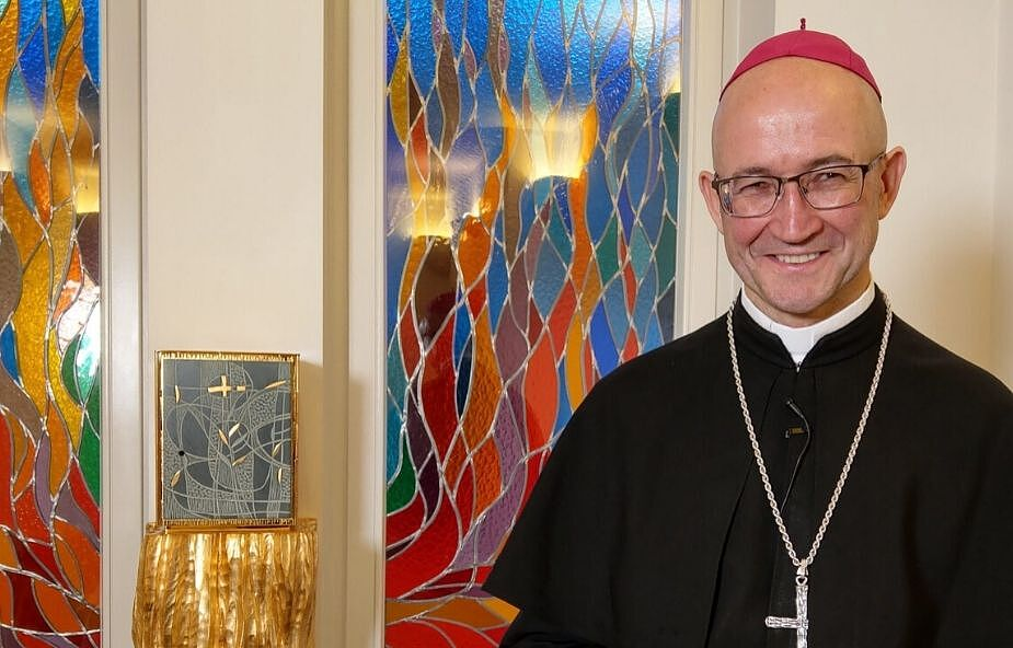 Bp Galbas: kryzys obnaża miałkość naszej wiary i myślenie magiczne