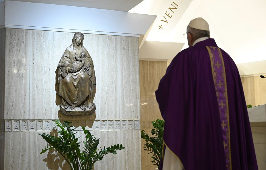 Media: papież miał nowy test na koronawirusa