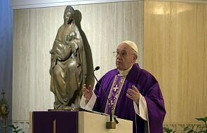 Franciszek modlił się za osoby doświadczające następstw pandemii