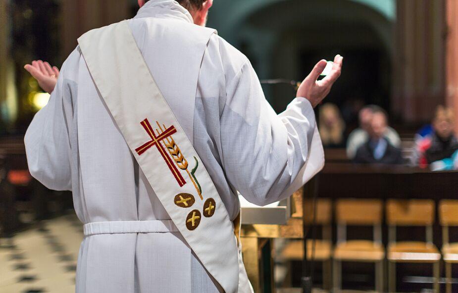Uganda, Indie: zatrzymania księży za odprawianie Mszy św. w czasie epidemii
