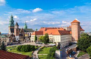 Kraków: adoracja Gwoździa z Krzyża Pańskiego w katedrze na Wawelu