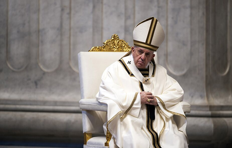 Papież odprawił mszę Wieczerzy Pańskiej w domu ukaranego kardynała Becciu