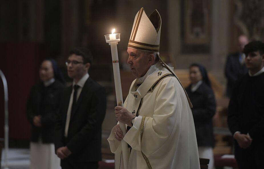 Franciszek podczas Mszy Wigilii Paschalnej: to dla nas najciemniejsza godzina