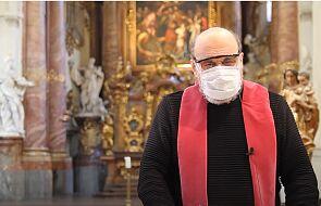 Czy księża będą musieli zakrywać usta i nos podczas Mszy?