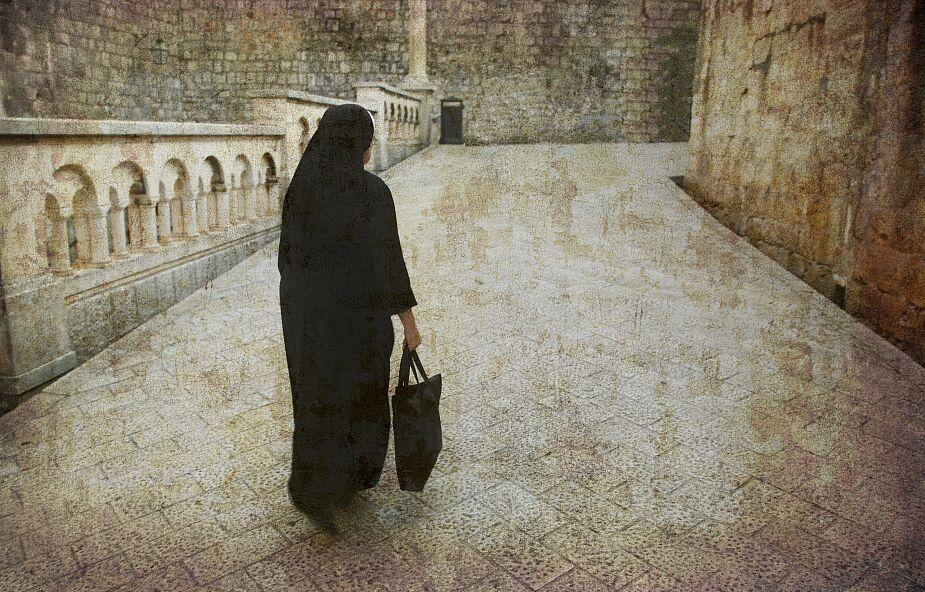 W Hiszpanii z COVID-19 wyleczono 102-letnią zakonnicę