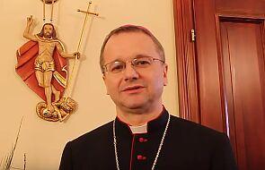 Bp Lityński o osobistej i rodzinnej intronizacji Pisma Świętego w domach