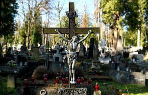 Ministerstwo Zdrowia określiło zasady postępowania ze zwłokami zmarłych na COVID-19