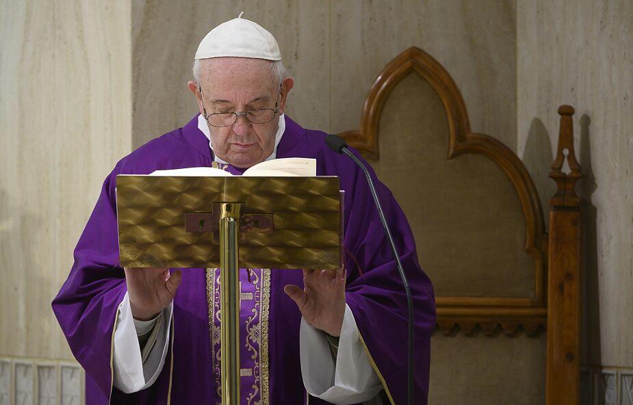 Papież: trzeba pomóc osobom pod wpływem uzależnień