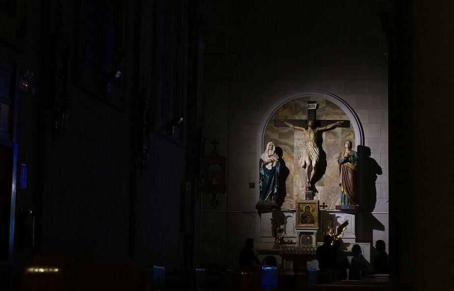 Zmiany w tegorocznych obchodach Wielkiego Piątku. Watykan wydał dekret
