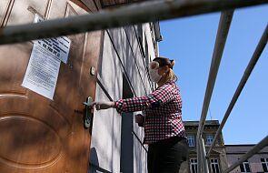 Warszawa: kobieta z podejrzeniem koronawirusa zabarykadowała się w mieszkaniu