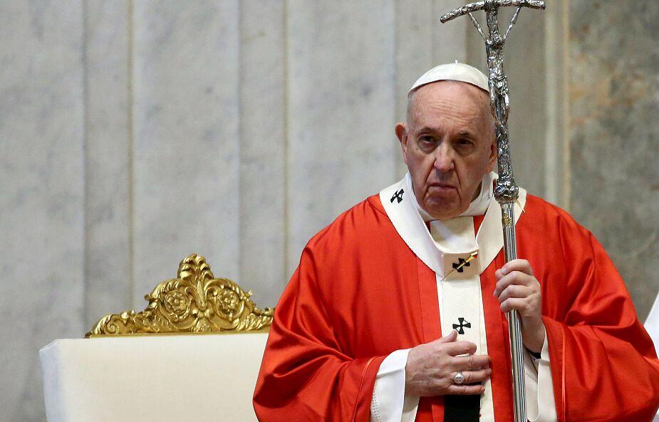 """W lutym papież chce modlić się za kobiety. """"Przemoc wobec nich to nikczemność"""""""