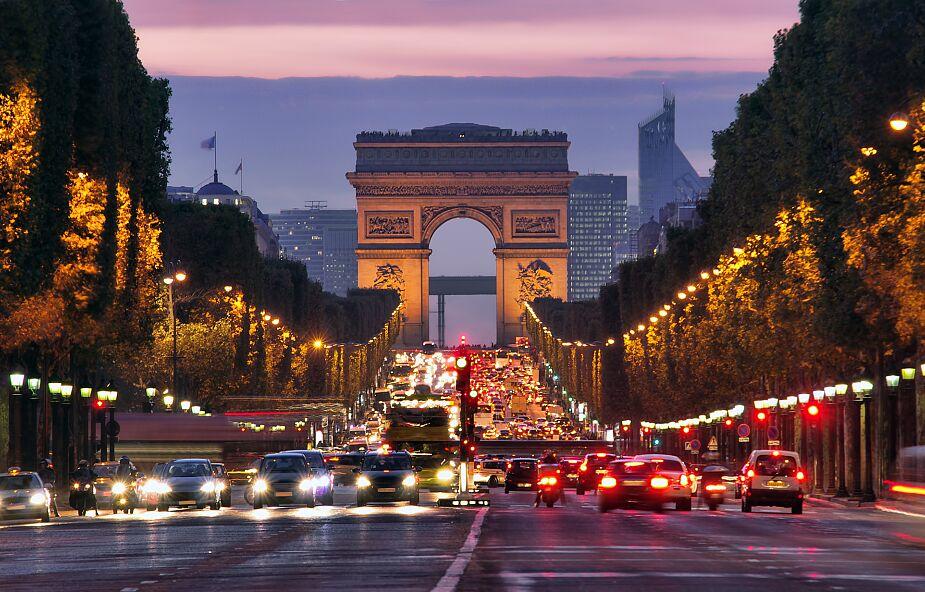 Francja: Zmarły kolejne 833 osoby zakażone koronawirusem