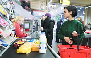 W czasach epidemii w kolejce po zakupy można stać na trzy sposoby