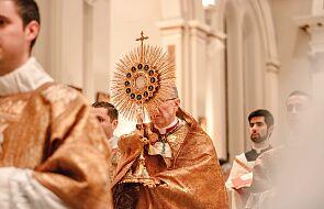 Włochy: z powodu koronawirusa zmarło pond 100 księży