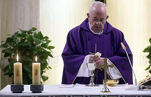 """""""Jak przeżywam to duchowo? Więcej się modlę"""". Pierwszy wywiad Franciszka podczas pandemii"""