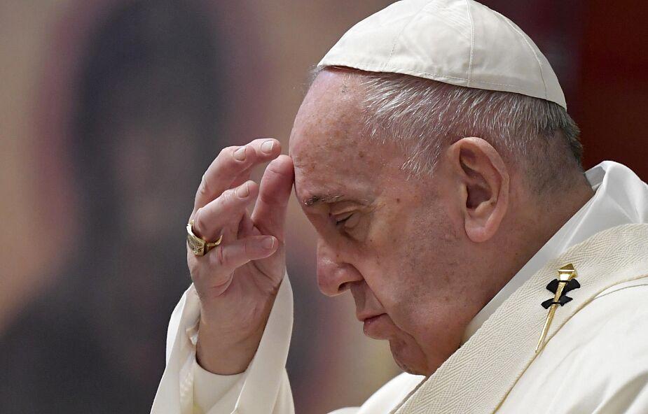 Franciszek na Mszy Wieczerzy Pańskiej: wszyscy jesteśmy grzesznikami: kapłani, biskupi, papież - i musimy prosić o przebaczenie
