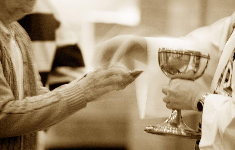 Samo spożywanie ciała Pana Jezusa i picie Jego krwi nie daje człowiekowi życia wiecznego