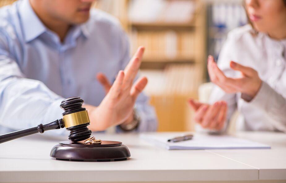 Hiszpania: W czasie epidemii przybywa osób zainteresowanych rozwodem