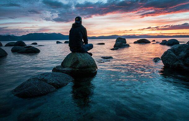 Bóg, przyroda i endorfiny czyli dlaczego warto modlić się na spacerze?