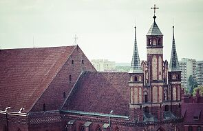 W Toruniu zdewastowano pomnik Jana Pawła II