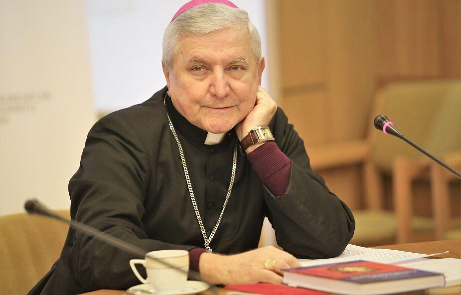 Papież Franciszek przyjął rezygnację bpa Janiaka