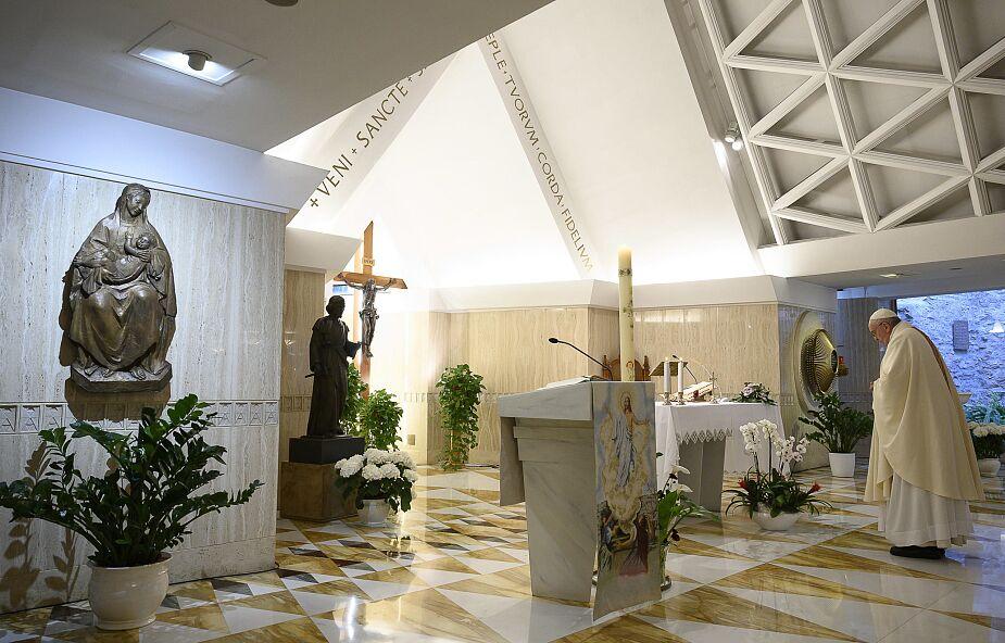 Papież modlił się za kapłanów i lekarzy, którzy oddają swoje życie za innych