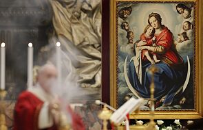 Papież modlił się za osoby które oddały życie w walce z koronawirusem
