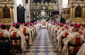 Lepiej dla biskupa, żeby złożył rezygnację niż był usunięty z urzędu