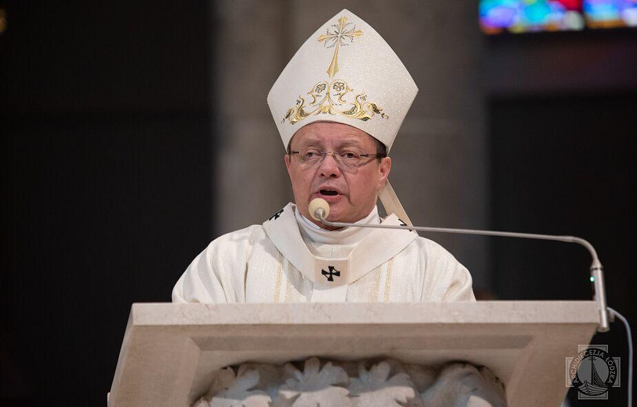 Abp Ryś: Chrystus stał się chlebem, by był jedzony – nie mógł być już bliżej z człowiekiem