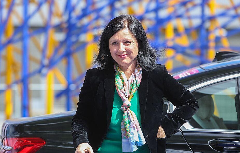 Jourova: zgodnie z prawem UE i polską konstytucją każdy człowiek jest równy