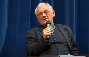 Ks. prof. Szostek: do homoseksualistów należy odnosić się z szacunkiem