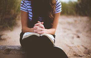 Jak się modlić? Jest tylko jedna zasada