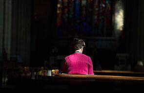 Chcę widzieć Kościół, który klęka przed zranionymi w Kościele i odrabia zadanie z empatii