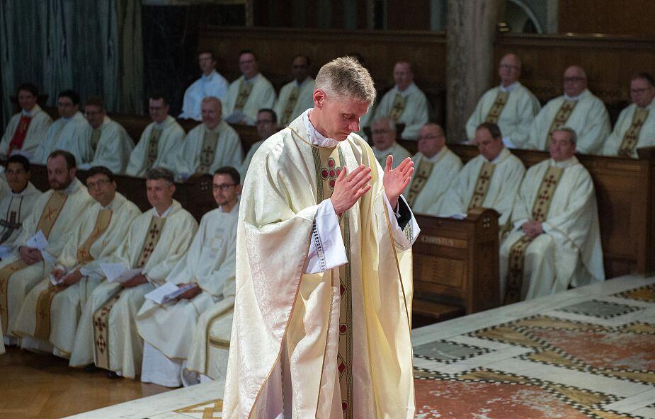 Księża mają coraz większe problemy z kapłańską tożsamością