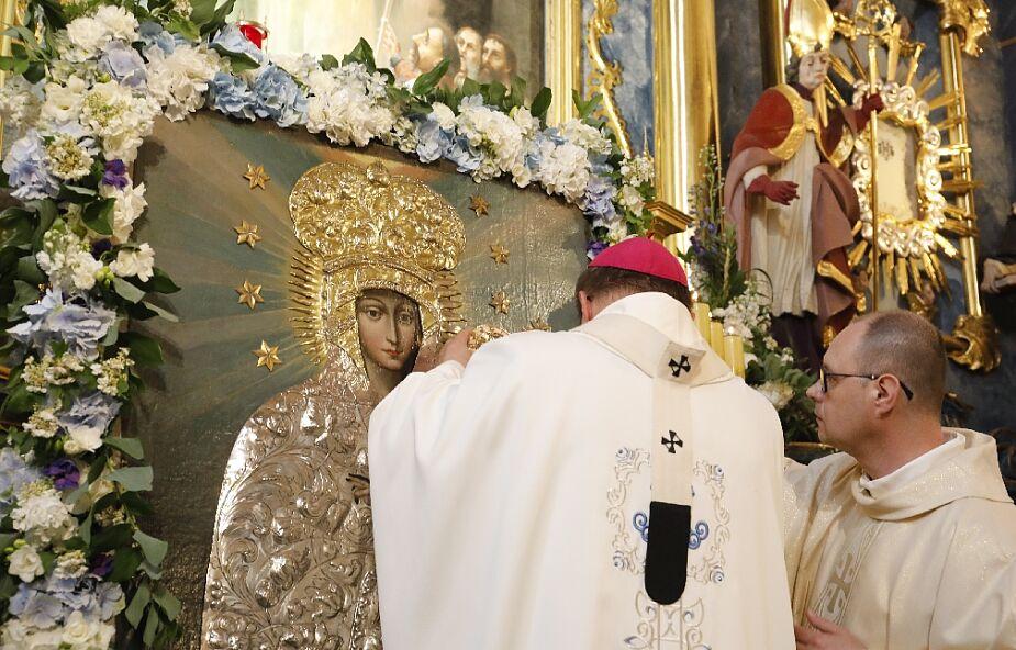 Piotrków Trybunalski: abp Ryś ukoronował wizerunek Matki Bożej Śnieżnej