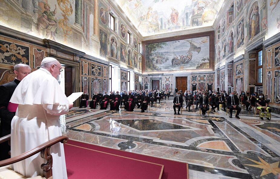 """Papież: pacjenci często czuli wokół siebie obecność """"aniołów"""""""