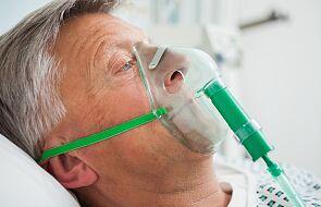 MZ: 300 nowych zakażeń koronawirusem, w tym 129 na Śląsku; kolejne 16 osób zmarło