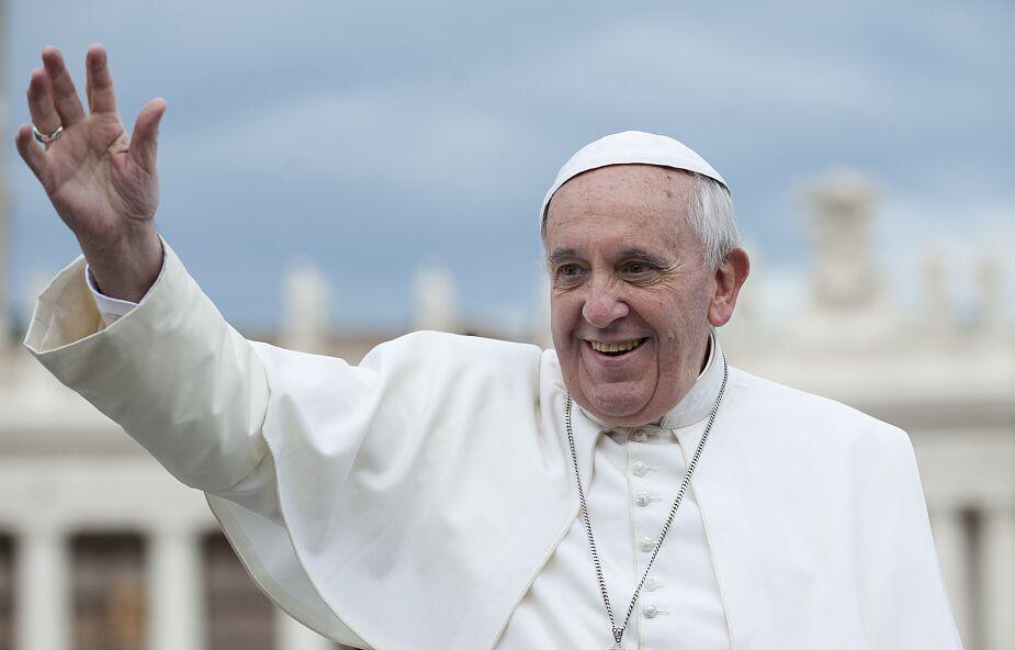 Papież Franciszek podarował 35 respiratorów do walki z COVID-19