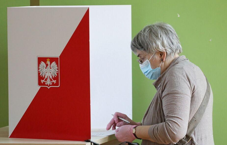 Dane PKW z 82,2 proc. obwodów głosowania: Duda 45,73; Trzaskowski 28,51 proc.