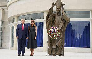Arcybiskup Waszyngtonu krytykuje wizytę Trumpa w sanktuarium św. Jana Pawła II