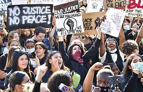 Szwecja: mimo epidemii tysiące osób protestowały w stolicy przeciw rasizmowi