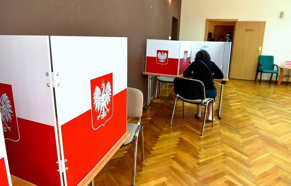 PKW: frekwencja wyborcza na godz. 17 wyniosła 52,10 proc.