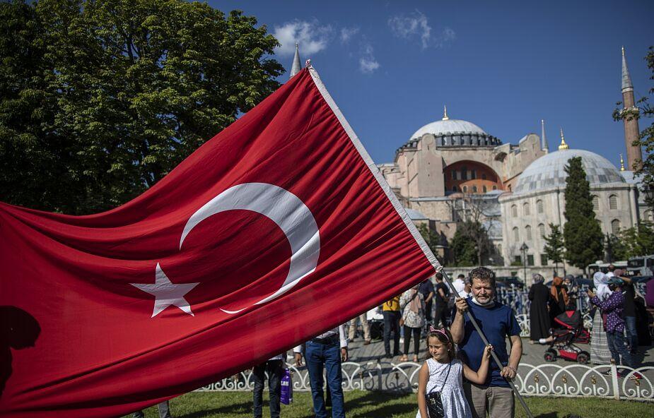 Bp Bizzeti: 70 proc. Turków popiera decyzję ws. Hagii Sophii