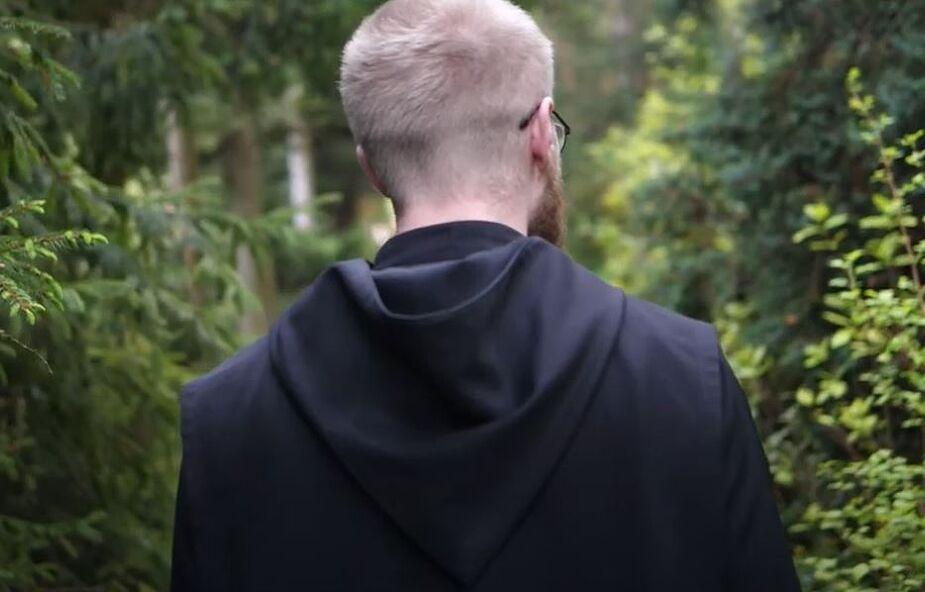 Benedyktyński mnich: jak podjąć decyzję, której nie będziesz żałował?